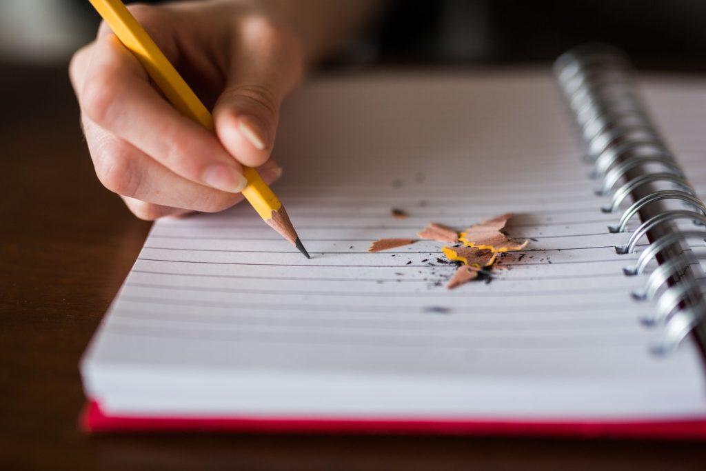 Na co zwrócić uwagę wybierając artykuły papiernicze?